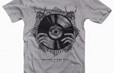 La camiseta diseñada por Error! Design podrá ser comprada sólo el 22/04 en las tiendas de discos